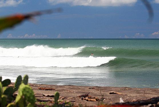 surfing playgrounds nicaragua