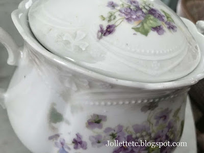 Biscuit Jar https://jollettetc.blogspot.com