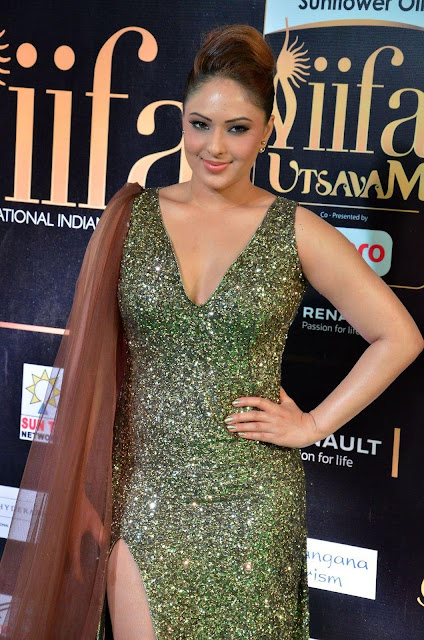 Nikesha Patel At The IIFA Utsavam Awards 2017