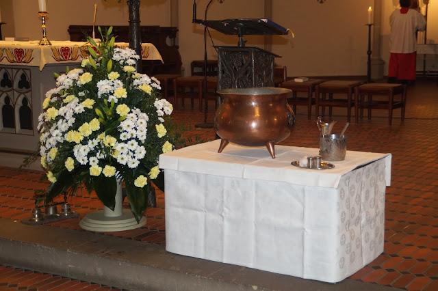 Katholische Kirche Taufe Junge Deko DIY Idee Geschenkidee Blumen Tischdeko Jules kleines Freudenhaus