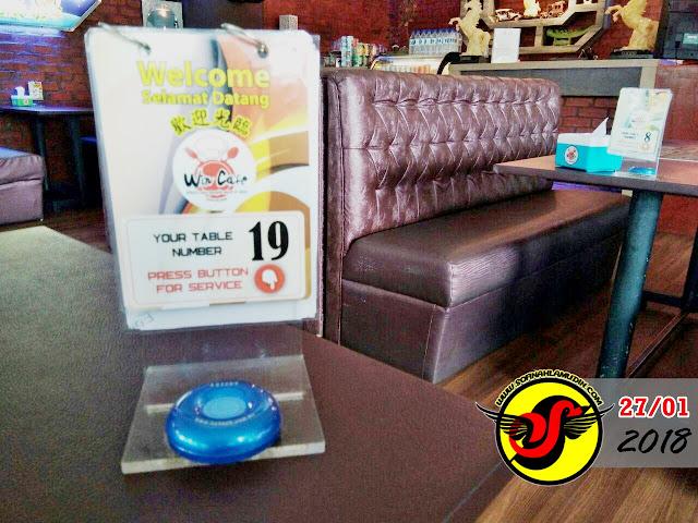 Makan Tengahari Di Win Cafe, Financial Park (Ujana Kewangan), WP. Labuan - Sofinah Lamudin