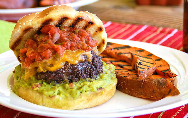 http://www.theslowroasteditalian.blogspot.com/2012/05/knock-your-socks-off-tex-mex-burgers.html