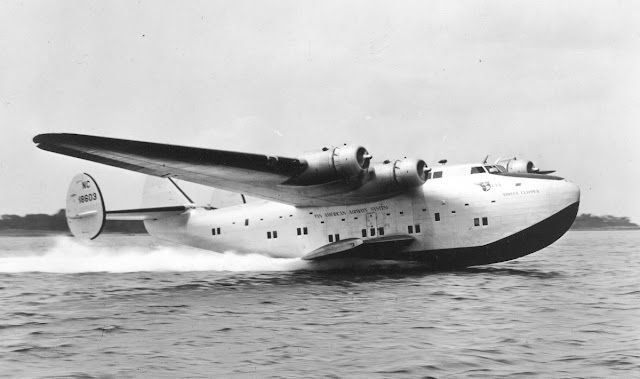 13 February 1941 worldwartwo.filminspector.com Pan Americans Boeing Bo 314 flying boat Yankee Clip