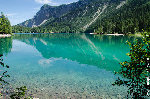 Lago di Tovel viaje Italia paisajes Alpes agua turquesa