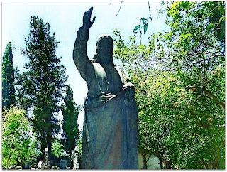 Jesus de Bronze no Jazigo da Família Bier - Cemitério Evangélico de Porto Alegre