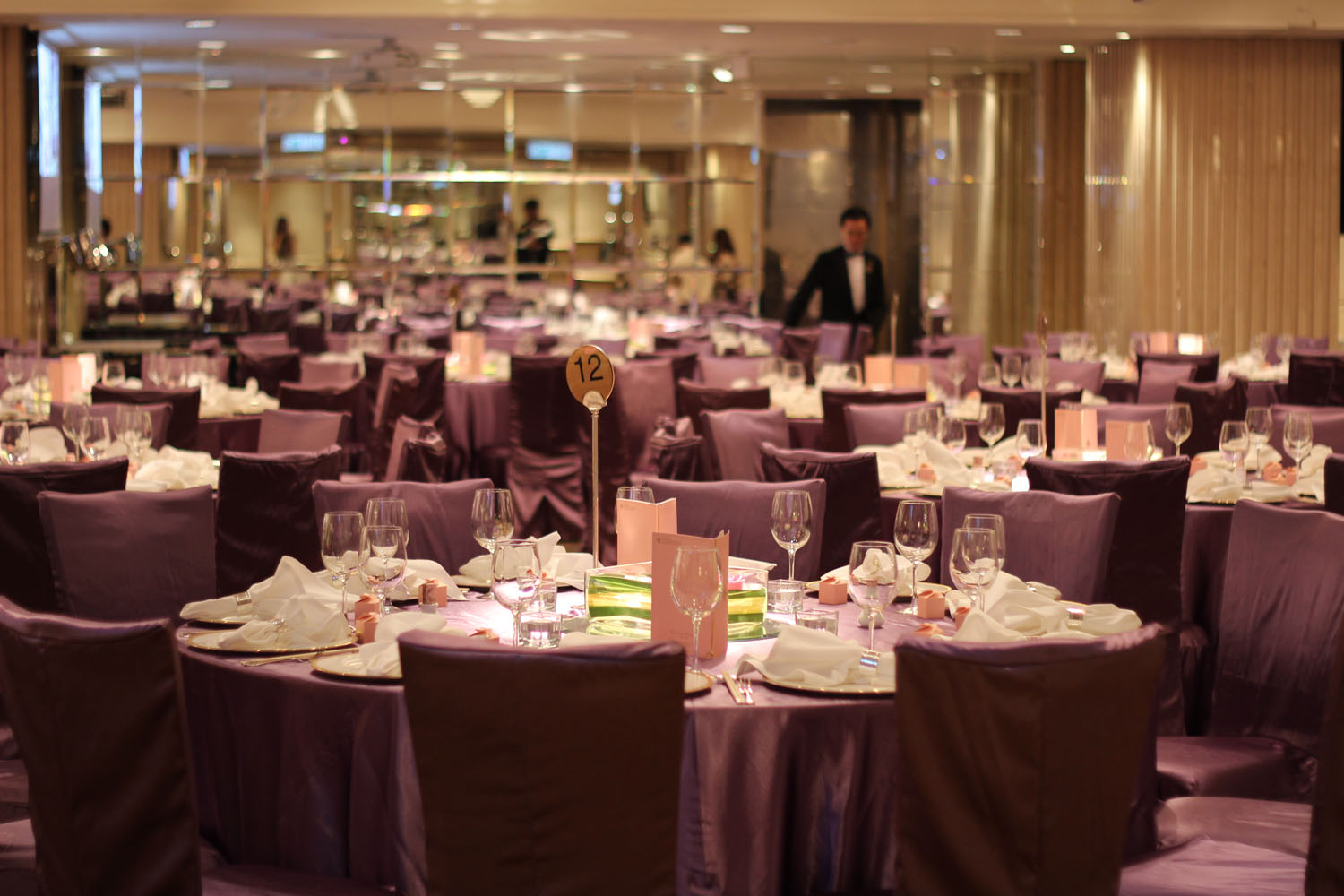 They Chose The Langham Hotel In Canton Road Tsim Sha Tsui For Their Reception And It S So Far Nicest Wedding I Ve Attended Hong Kong