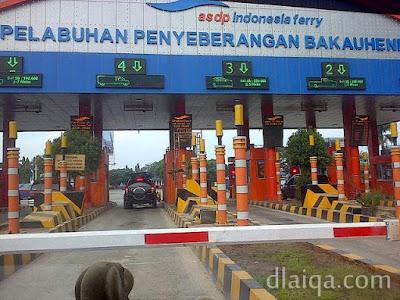 loket pembayaran tiket kapal ferry di Bakauheni, Lampung