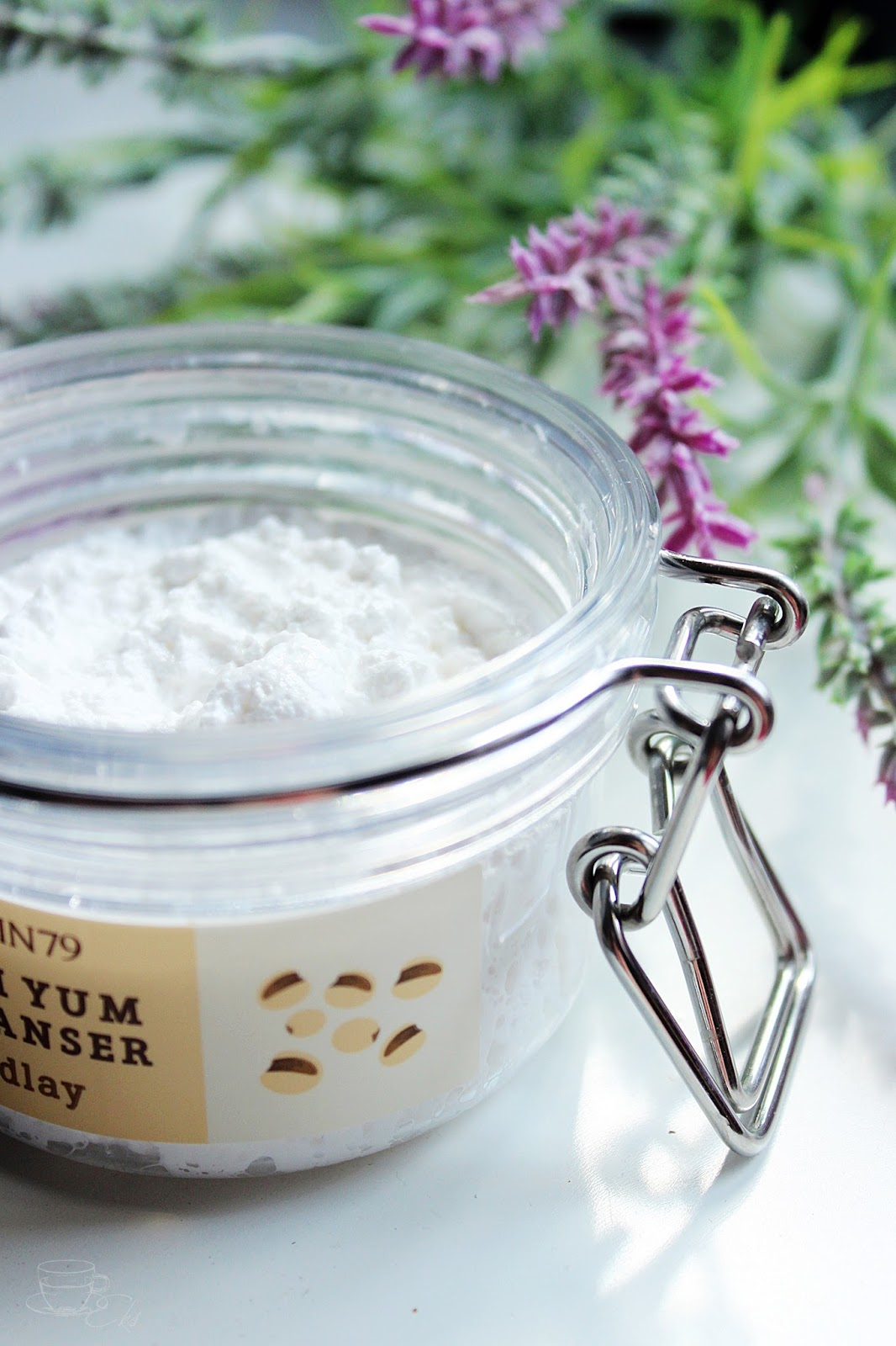 Blog, recenzja musu/pianki/kosmetyku oczyszczającego od Skin79 dla cery trądzikowej / azjatyckie kosmetyki
