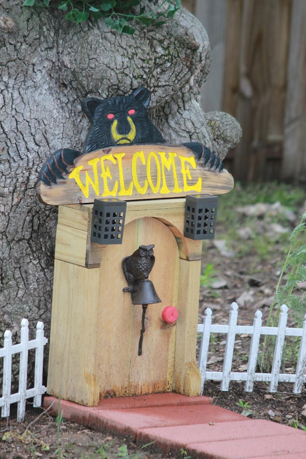 Gnome Tree Stump Home: Simple Subtleties: Repurposed Tree Stump Into A Beautiful