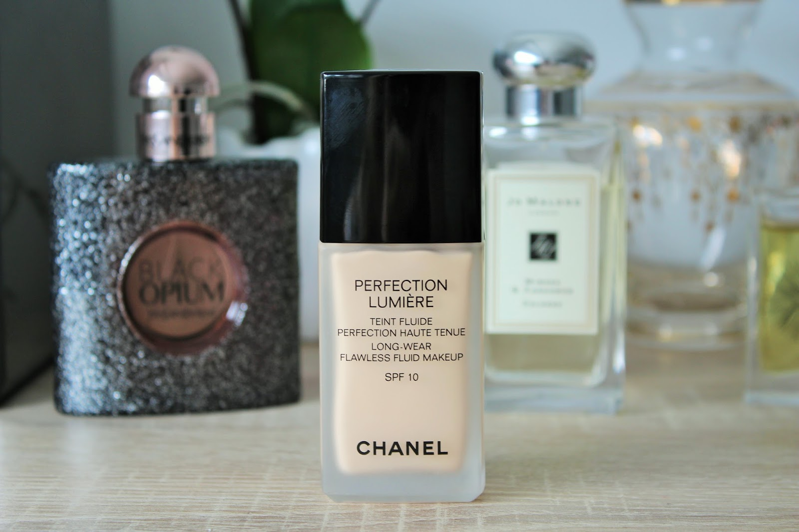 Chanel Perfection Lumiere Foundation Review 2
