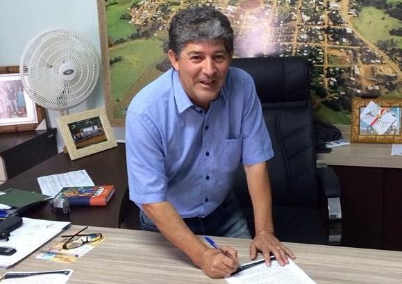 Ex-prefeito de Laranjal recebe multa por contratar empresa sem qualificação técnica