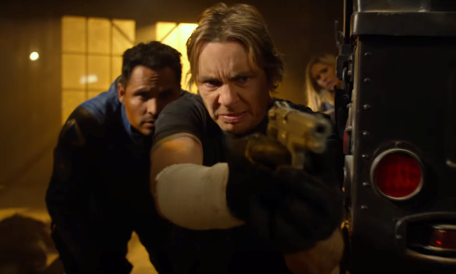 """Michael Peña e Dax Shepard no trailer da comédia policial """"CHiPs: O Filme"""""""