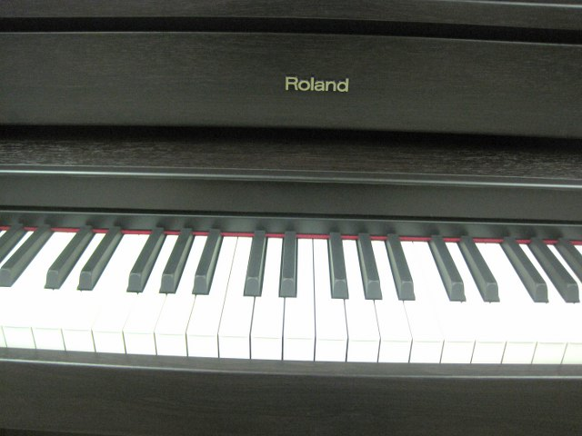 az piano reviews review roland hp507 roland lx15 digital pianos recommended as top of. Black Bedroom Furniture Sets. Home Design Ideas
