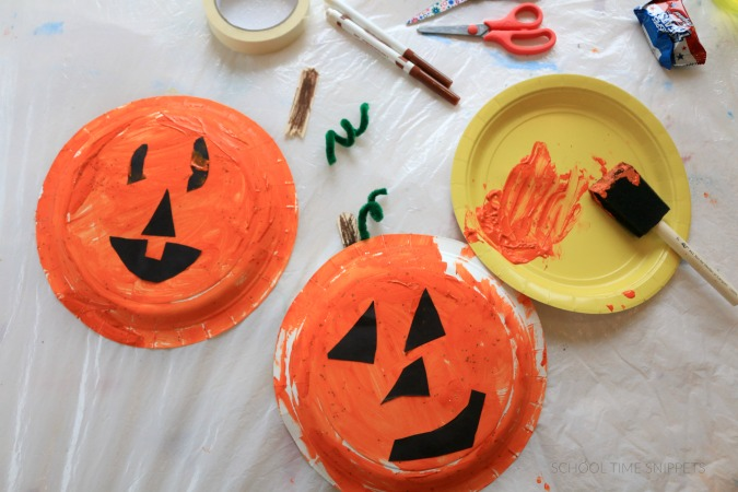 easy pumpkin craft for kids & Easy Paper Plate Pumpkin Craft | School Time Snippets