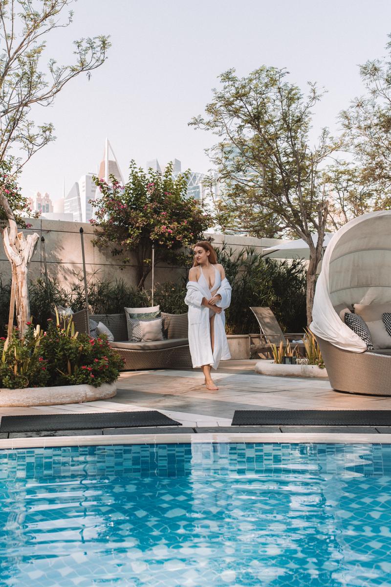 Shangri-La Doha swimming pool