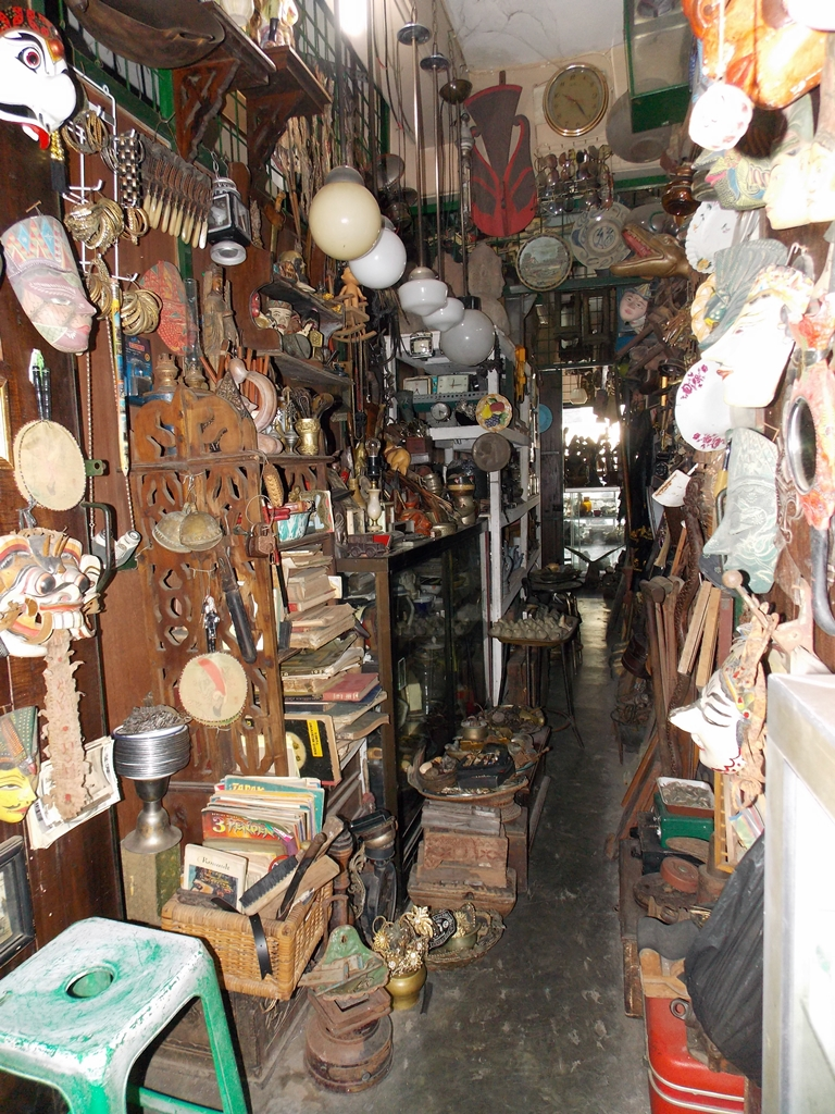 Paraardhya Blog: Pasar Triwindu , Solo - Indonesia