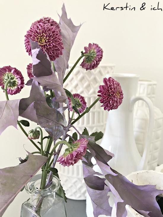 Dekorieren mit Blumen, weiße Vasen-Sammlung