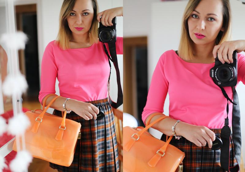 Różowa bluzka hand made i pomarańczowa Furla Candy Bag