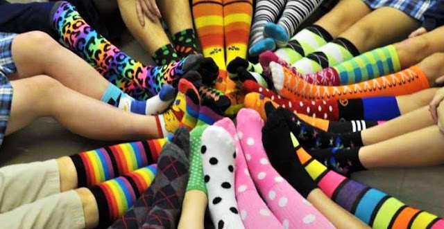 People Who Wear Colorful Socks Are Brighter, More Creative And Perform Better In Life