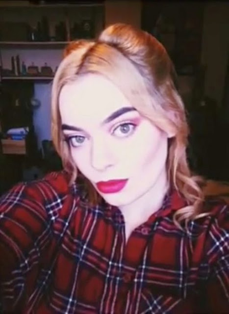 Ella se parece tanto a Margot Robbie, que todos los días recibe propuestas de matrimonio