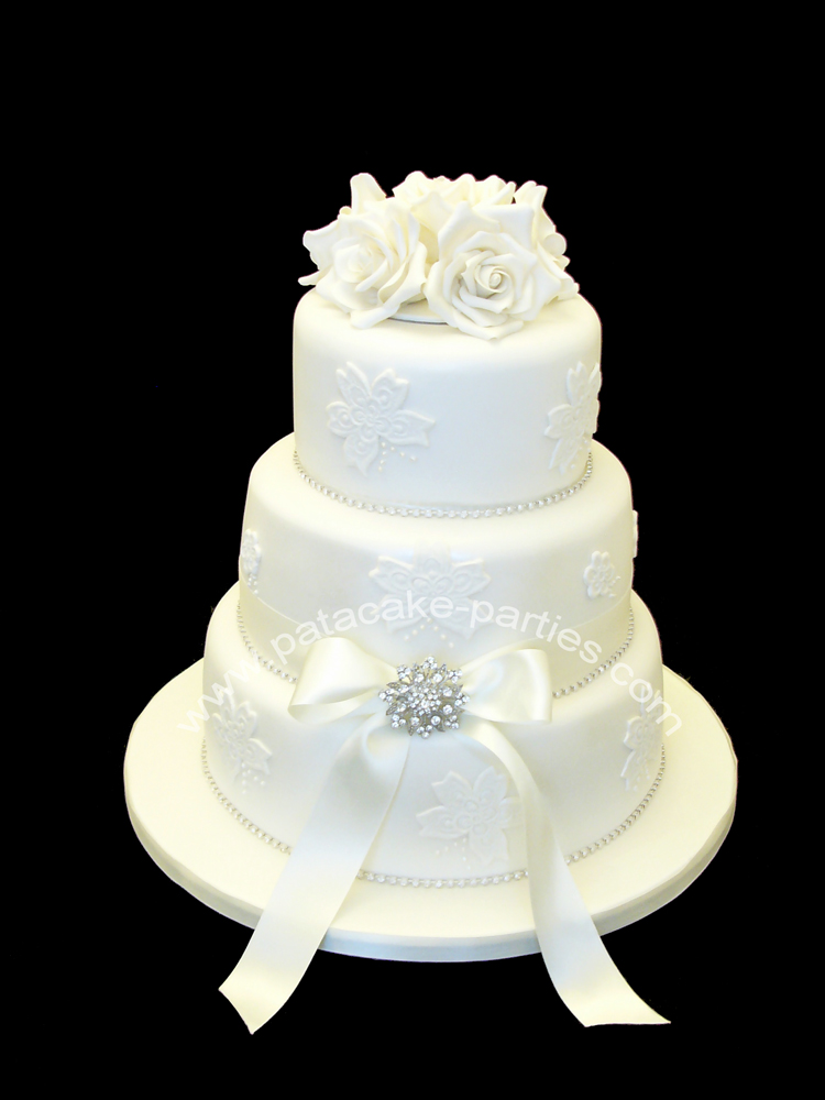 edible diamantes for wedding cakes pat a cake white lace applique wedding cake 13893