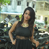 Gorgeous Anaika soti latest hot pics in black