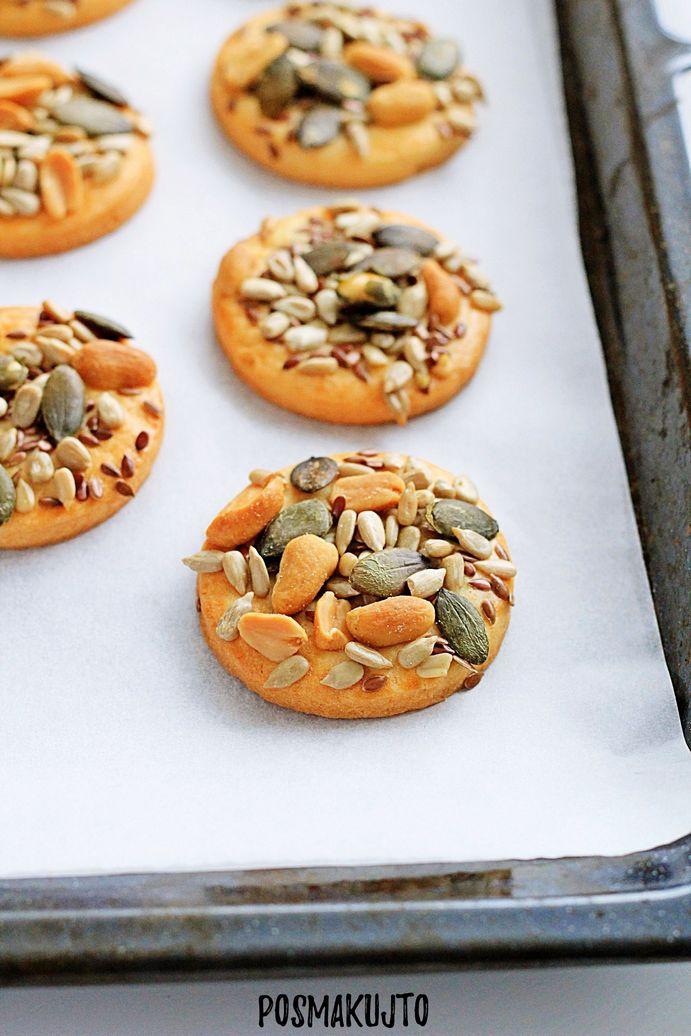 Kruche ciasteczka maślane z ziarnami