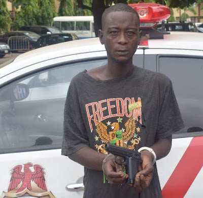 traffic robber arrested beating girlfriend lagos