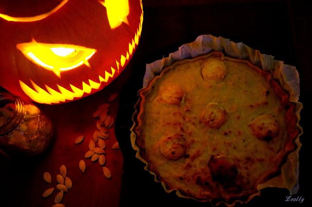 http://leally.blogspot.fr/2015/10/la-tarte-salee-au-potiron.html