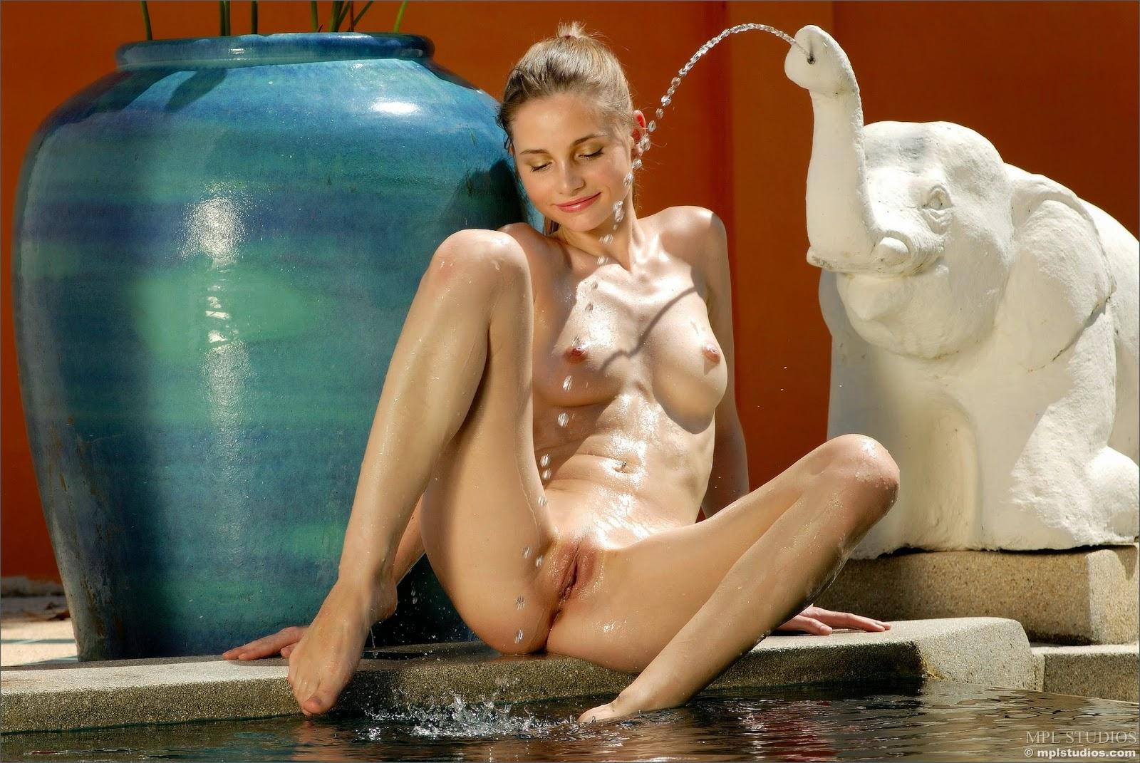 http://2.bp.blogspot.com/-2qLxX5U5WpQ/VUTPHBLYsdI/AAAAAAAAJ5g/qqL-OZ9UKdI/s1600/4508037.jpg