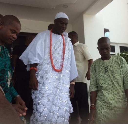 Ooni Of Ife Ogunwusi's Aides Beaten & Stripped By Owa Obokun Of Ijesaland's Thugs In Osogbo