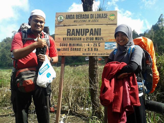 Sesi ini menceritakan perjalanan dari Indomaret Tumpang ke Ranu Pani naik mobil jeep, persiapan hingga pendakian dari pos 1 hingga ke Ranu Kumbolo