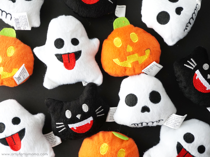 Perfect for party favors and trick-or-treaters, these Halloween Emoji Gift Bags with Free Printable Tags are fun for kids without the added sugar!
