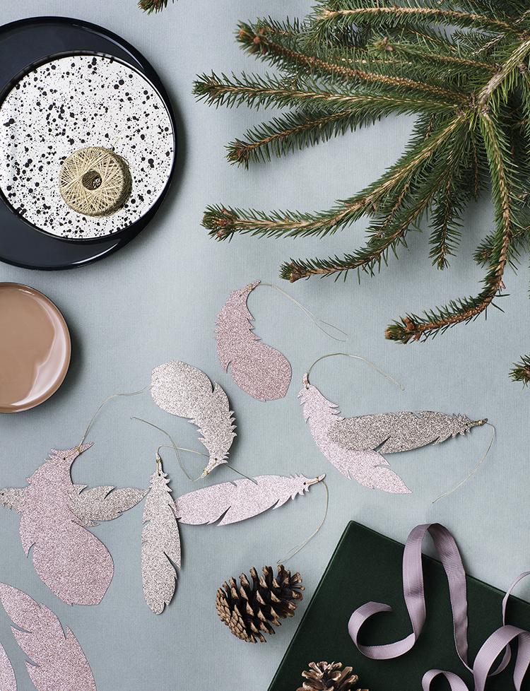 dekorowanie gałązkami choinki