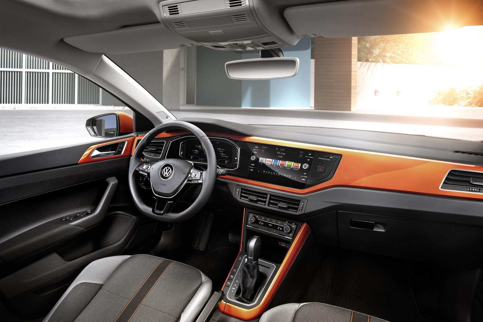Интерьер Volkswagen Polo 2018