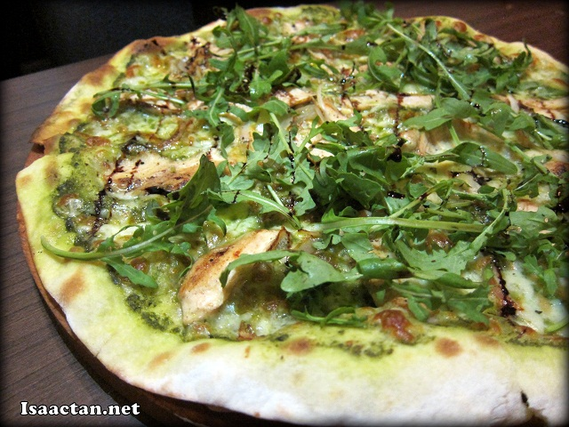 Pesto Rocket Chicken Pizza - RM32.90
