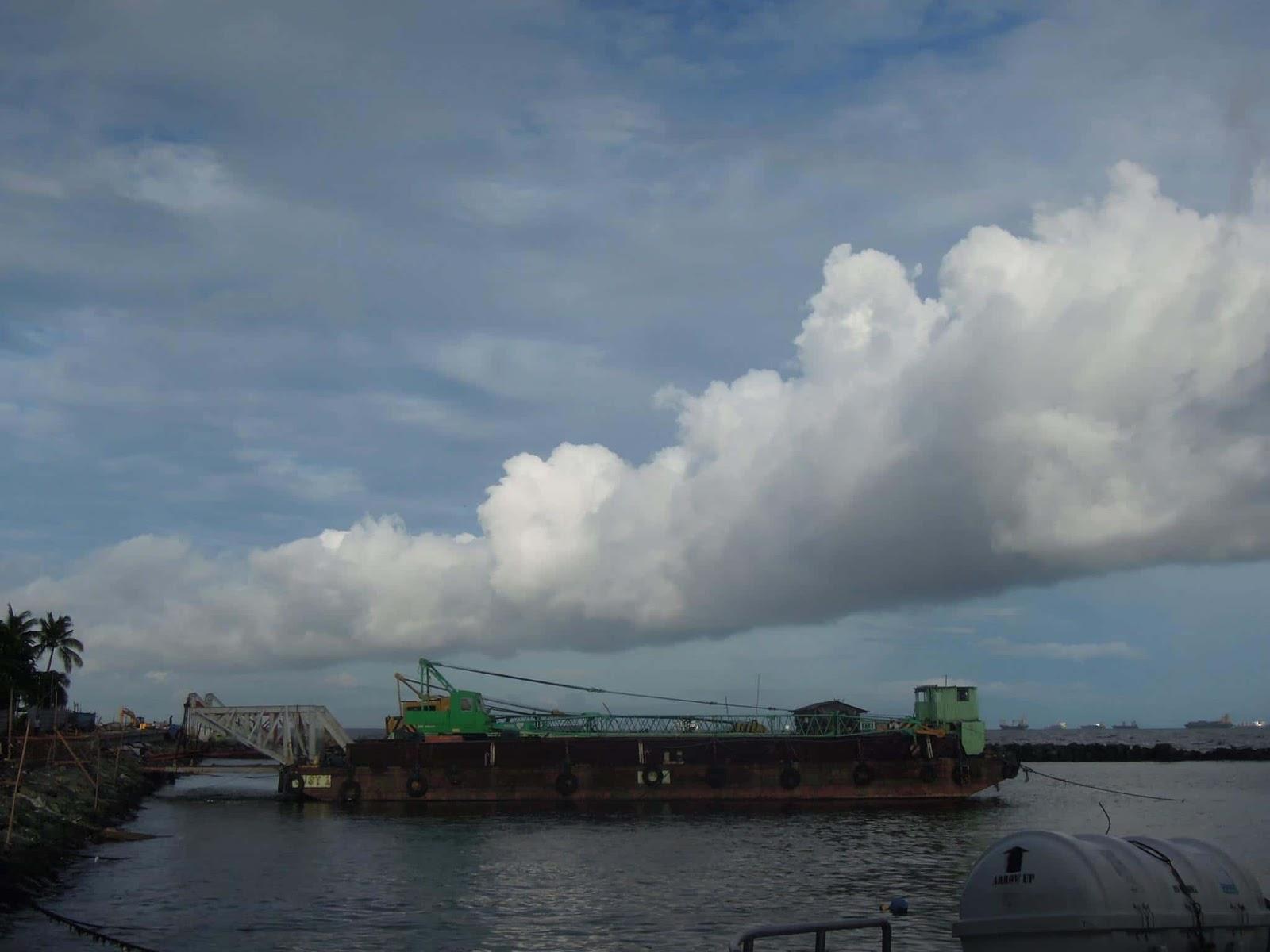A barge in Manila Bay near the Sun Cruises station