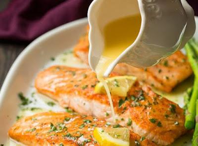 - La meilleure recette de saumon au beurre à l'ail et citron!