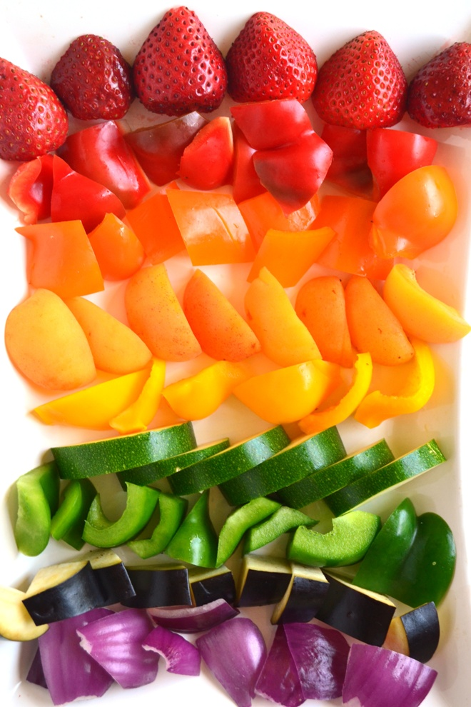 Grilled Rainbow Fruit and Vegetable Kebabs are a quick and simple side dish that are packed with nutrients and are customizable with any produce you have on hand! www.nutritionistreviews.com