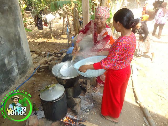 Cara menanak nasi porsi banyak dengan cara di kukus