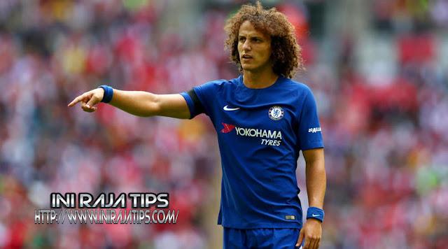 Willian Tidak Ingin Kehilangan David Luiz