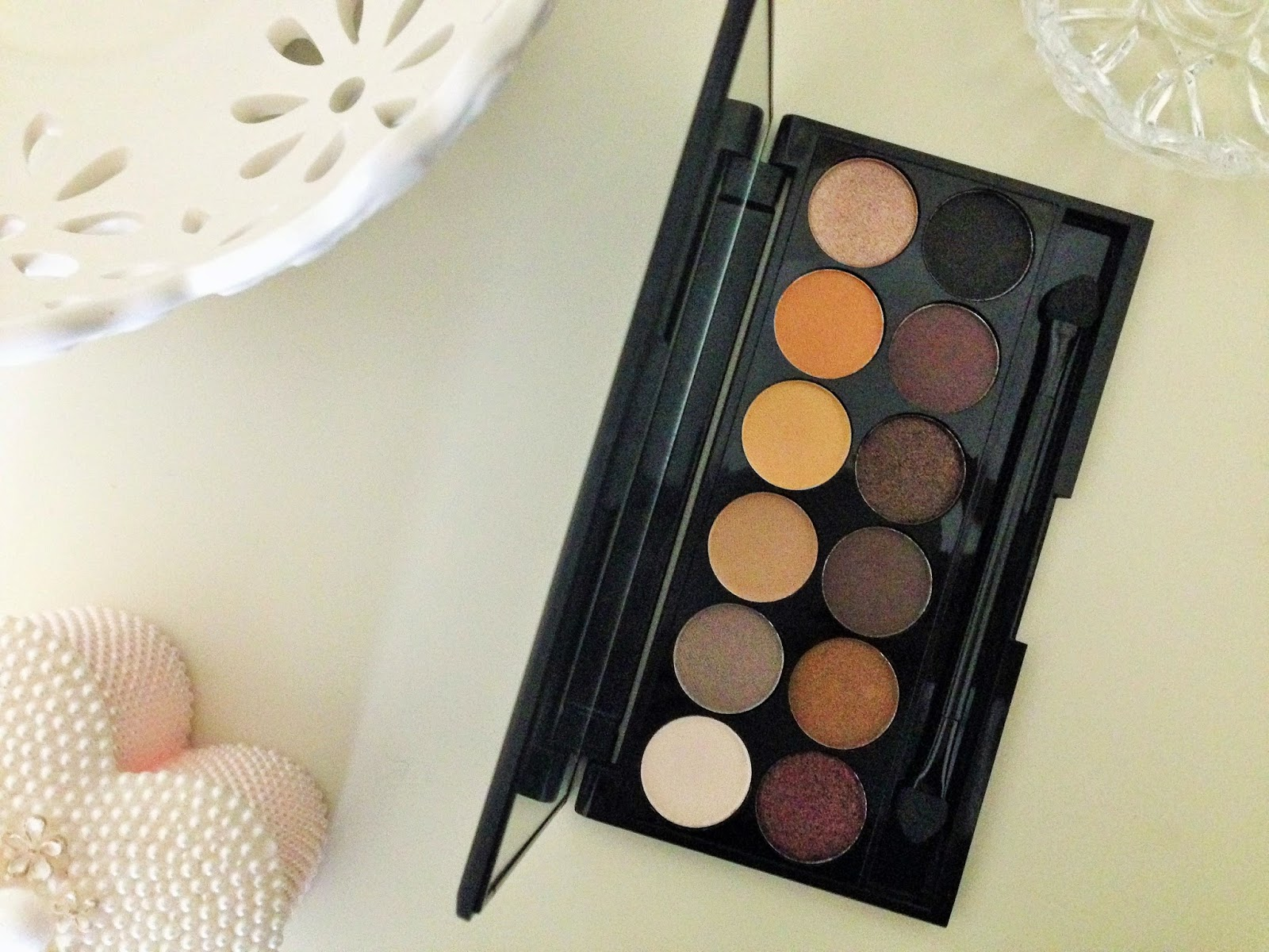 Sleek i-Divine Eyeshadow Palette in Au Naturel