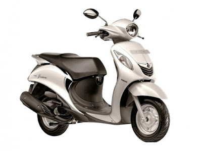 Yamaha Fascino scooter white image