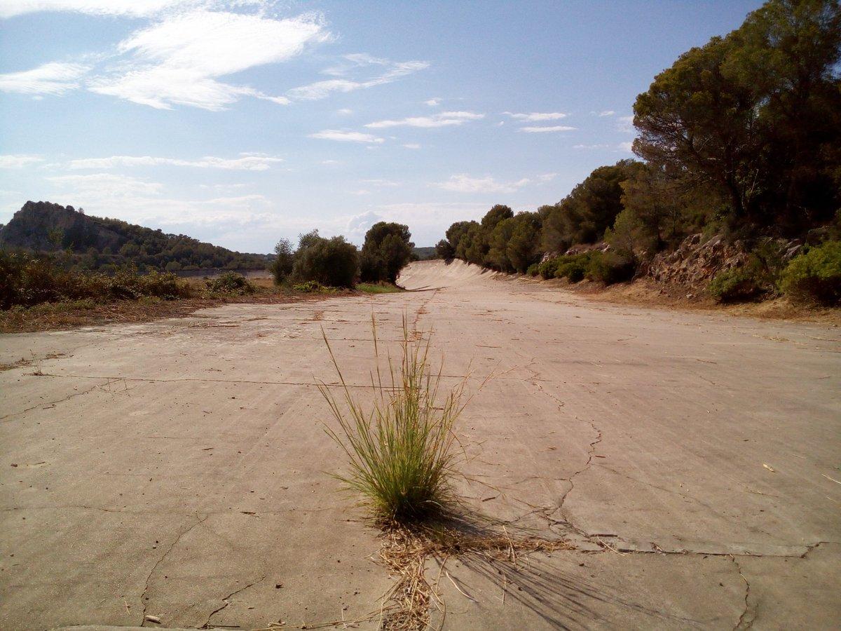 Circuito Terramar : El encanto de los lugares abandonados autódromo terramar