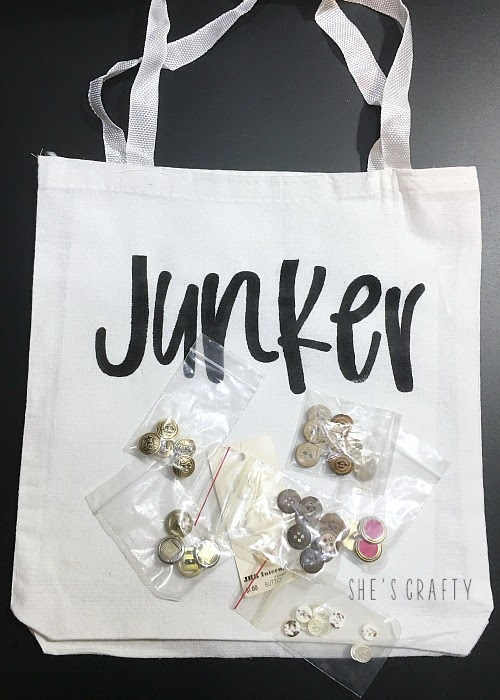 How to make a Flea Market Tote with vintage buttons from the flea market