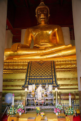 Statue de Bouddha dans le palais d'Ayutthaya