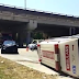 Ambulans terbalik di persimpangan Kolej Widad Indera Mahkota