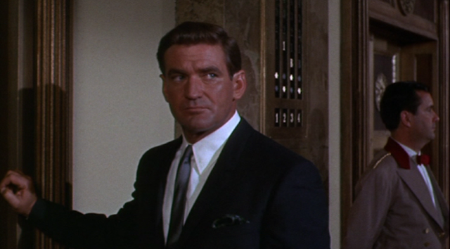 Rod Taylor as Pete McDermott in Hotel (1967)