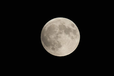 China to launch artificial moon to light up night sky