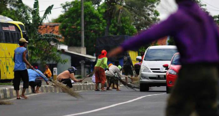 Munculnya Sosok Tak Kasat Mata di Jalan Pantura
